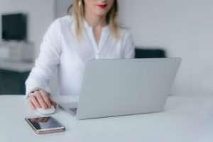 Formación en liderazgo femenino